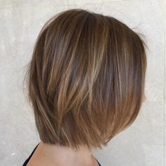 Brown Bob With Blonde Babylights Low Light Hair Color, Short Light Brown Hair, Brown Bob Hair, Short Thin Hair, Dark Hair, Short Hair Styles, Light Brown Bob, Dark Brown, Dark Red