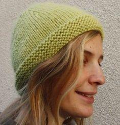 735e72a34077 Un bonnet tout simple et bien chaud qui se fait en une pelote. Fourniture