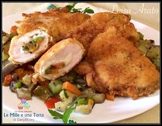 FAGOTTINI DI POLLO FARCITI CON VERDURE RICETTA DI: LUISA ARATO Ingredienti: (Per 4-5 persone) 900 g di petto di pollo a fettine 1 melanzana grande