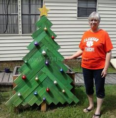 Christmas Yard Decorations Other Pallet Projects                                                                                                                                                     More