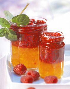 Raspberry-Nectarine Jam Recipe A summer duo for an original recipe of raspberry and nectarine jam! – Discover the delicious recipes of Dr. Nectarine Jam, Canning Tips, Stone Fruit, Edible Gifts, Jam Recipes, Recipies, Original Recipe, Preserves, Raspberry