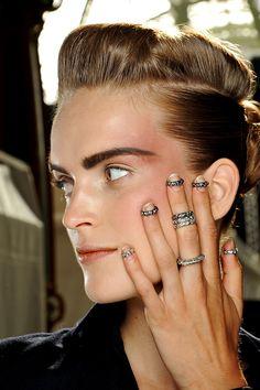 Accesorios joyas otono invierno 2013 anillos midi - chanel