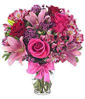 Send #NewYear Bouqets by flora2world.com