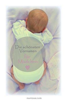 Die beliebtesten Vornamen für Mädchen Wie soll sie denn heißen? Stellt ihr euch gerade diese Frage? Gar nicht so einfach, denn der Vorname soll ja sowohl der zukünftigen Mama, als auch dem zukünftigen Papa und natürlich später eurem Kind gefallen. Lasst euch ruhig Zeit mit der Namenswahl. Manche Eltern entscheiden sich sogar erst kurz nach der Geburt, wenn sie ihrem Baby das erste Mal in die Augen geschaut haben, für einen Namen. #Baby #Babynamen #Namen #Kinder #Kindernamen #Vornamen…