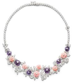 Piaget Rose - Limelight Garden Party necklace in 18K white gold set with 197 brilliant-cut diamonds (approx. 17.40 cts), 15 pear-cut diamonds (approx. 5.80 cts), amethysts and pink opals.