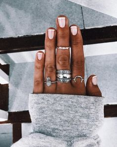 Semi-permanent varnish, false nails, patches: which manicure to choose? - My Nails Cute Nails, Pretty Nails, Hair And Nails, My Nails, Cute Jewelry, Jewelry Shop, Fashion Jewelry, Cheap Jewelry, Boho Jewelry