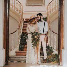 An intimate sesh in all its boho glory on #ruffledblog   styling @myfancyweddingpt photo @hugocoelhofotografia HMUA @carladoliveiramua wedding dress @immaclenovias models @mdinistorres @staytruejm video @24frames_cinematography cake @migalha_doce . . . #weddings #love #weddinginspiration #weddinginspo #voucasar #coachella #weddingdesign #weddingdecor #eventdesign #eventdecor #noivadodia #casamentoperfeito #engagementsession #happilyeverafter #itshappyhere #bridetobe #bohemian #bohochic…