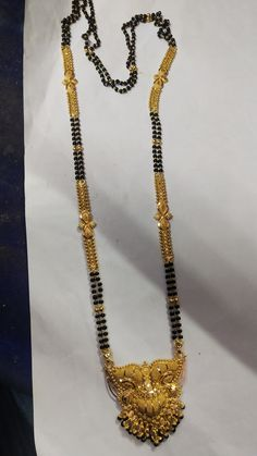 Jewelry Design Earrings, Gold Earrings Designs, Gold Jewellery, Beaded Jewelry, Real Gold Chains, Gold Mangalsutra Designs, Gold Necklace, Bijoux, Gold Jewelry