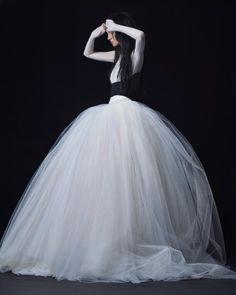 Vera Wang Fall 2016 Wedding Dress Collection | Martha Stewart Weddings