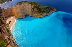 The Travel Pages visits Zante in Greece's Ionian Islands. Also known as Zakynthos, The Travel Pages tells you where to visit, where to eat, and where to stay. Summer Nature Photography, Camping Photography, Landscape Photography, Greece Wallpaper, Beach Wallpaper, Hd Wallpaper, Travel Wallpaper, Patras, Beach Camping