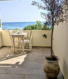 private veranda directly at the sea