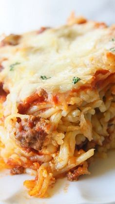 Baked Spaghetti Italian Dinner - The Girl Who Ate Everything Baked Pasta Recipes, Spaghetti Recipes, Cooking Recipes, Spaghetti Sauce, Prego Spaghetti Recipe, Spagetti Pie Recipe, Risotto Recipes, Spaghetti Squash, Potluck Dishes
