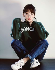 Image about girl in kfashion by ? on We Heart It- : Image about girl in kfashion by ? on We Heart It- K Fashion, Ulzzang Fashion, Ulzzang Girl, Asian Fashion, Fashion Ideas, Fashion Black, Trendy Fashion, Vintage Fashion, Fashion Poses