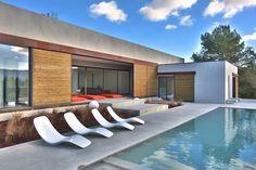 maison 6 pièces en vente sur GORDES (84220) Luberon Provence, South Of France, Mansions, Architecture, House Styles, Outdoor Decor, Modern, Villas, Houses