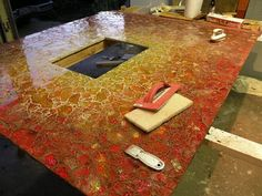 Tempered glass mosaic table by Michelle Derviss, landscape designer. Mosaic Crafts, Mosaic Art, Mosaic Glass, Stained Glass, Diy Projects To Try, Art Projects, Mosaic Rocks, Glass Furniture, Garden Show