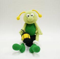 Hey, diesen tollen Etsy-Artikel fand ich bei http://www.etsy.com/de/listing/116493852/firefly-toy-crocheted-babies-baby-kids