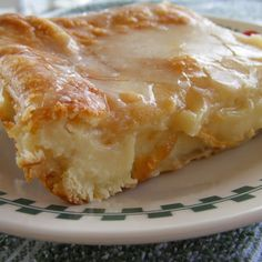Sounds easy and yummy! Easy Cheese Danish - Ingredients: 2 cans ready to use refrigerated crescent rolls 2 packages cream cheese 1 cup sugar 1 teaspoon vanilla extract 1 egg 1 egg white Glaze: cup powdered sugar 2 Tablespoons milk teaspoon vanilla extract Breakfast And Brunch, Breakfast Cheese Danish, Breakfast Dishes, Breakfast Recipes, Breakfast Fruit, Breakfast Croissant, Homemade Breakfast, Breakfast Healthy, Health Breakfast