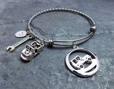 Jeep Girl Keychain with Engraved Grill olllllllo and Charm Lobster Claw Clasp Key Ring Personalized