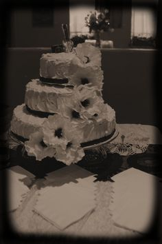 Our beautiful delish cake made by my friend Laura! whose daughter was also my flower girl :)