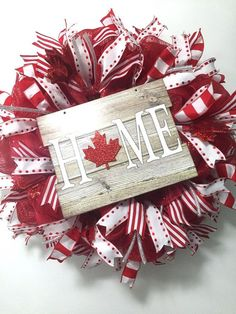 53 Ideas For White Door Wreath Beautiful Patriotic Crafts, Patriotic Party, July Crafts, Canada Day Images, Canada Day Pictures, Canada Day Crafts, Canada Day Party, Remembrance Day, Porch Decorating
