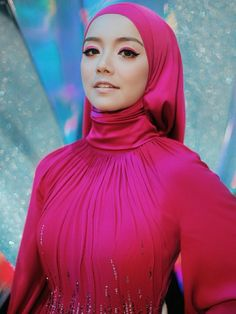 Muslim Women Fashion, Modern Hijab Fashion, Muslim Hijab, Muslim Dress, Hijabi Girl, Girl Hijab, Arab Girls Hijab, Muslim Brides, Beautiful Hijab