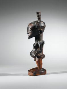 Statue, Songye, République Démocratique du Congo SONGYE FIGURE, DEMOCRATIC REPUBLIC OF THE CONGO haut. 29 cm