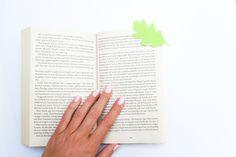 SOFIAMILK - DIY // bokmärke av ett eklöv
