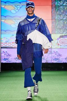 Gypsy Sport Spring 2017 Menswear Fashion Show : Gypsy Sport, Look The complete Gypsy Sport Spring 2017 Menswear fashion show now on Vogue Runway. Sydney Fashion Week, Mens Fashion Week, Sport Fashion, Runway Fashion, High Fashion, Fashion Show, Fashion Design, Women's Fashion, Vogue