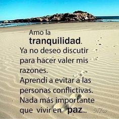 No permitas que lo que pasa a tu alrededor dañe tu paz interior, busca motivo a para seguir disfrutando Amor Quotes, Wisdom Quotes, True Quotes, Words Quotes, Wise Words, Fb Quote, Positive Phrases, Motivational Phrases, Positive Quotes
