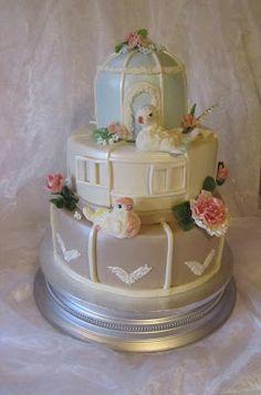 Purppurahelmen juhla- ja  fantasiakakut: Lovebirds hääkakku