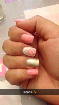 Pinapple nails