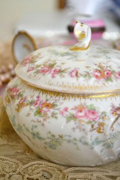 Jennelise SITE WITH PRETTY CHINA PICS.
