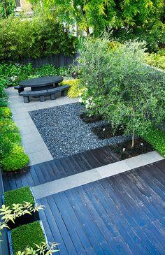 Jet black garden | Overview of jet black contemporary town garden in London | Charlotte Rowe Garden Design