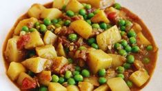 and pea curry This satisfying vegetarian curry is quick to prepare and very flavoursome.This satisfying vegetarian curry is quick to prepare and very flavoursome. Pea Recipes, Curry Recipes, Potato Recipes, Vegetable Recipes, Wine Recipes, Indian Food Recipes, Cooking Recipes, Potato Dishes, Vegetable Dishes