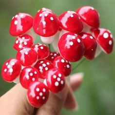 10pcs Cute resin crafts Decorations Miniature Dot Mushrooms Red fairy gnome terrarium Christmas Party Garden Decor Gift.