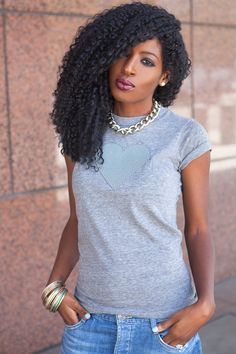 T-Shirt + Boyfriend Jeans Style Pantry Jacot Jacot Darling Pantry African Hairstyles, Cool Hairstyles, Curly Hair Styles, Natural Hair Styles, Natural Curls, Blazer And T Shirt, Boyfriend Jeans Style, Love Her Style, Big Hair