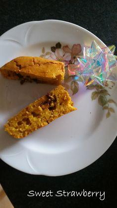 Torta di zucca e cioccolato, senza lattosio! Per questa e molte altre ricette, guardate qui http://pattysweetstrawberry.blogspot.it/2014/12/torta-di-zucca-e-cioccolato-senza.html