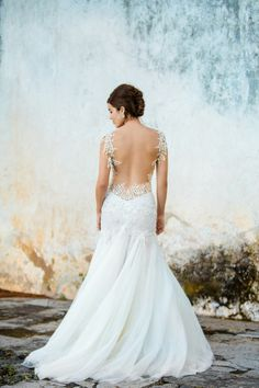 beautiful wedding gown | photo by @Naomi Kenton
