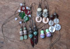 http://www.beadyeyedbunny.blogspot.se/2015/03/stacked-earrings-challenge-round-2.html#comment-form