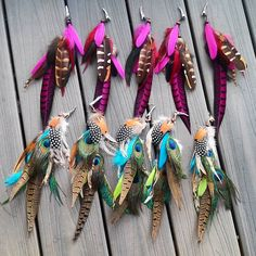Big batch of statement feather extensions Just clip in and go! available in my etsy shop . Link in my bio  #love #beautiful #beauty #autumn #boho #goodvibes #girl #gypsy #grunge #festival #fashion #Style #edm #goodmorning  #vsco  #goals #highsociety #featherhair #season #featherextensions #costume #festival #travel #babe #plur #indie #hairstyles #hairextensions #hairfeathers #instagood