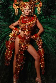 A Universal Parade of Nations: Panamanian Empress: Miss Universe Panama Stephanie Vander Werf As you may know--if you read my las. Miss Universe Costumes, Miss Universe National Costume, Carnival Dancers, Carnival Girl, Mardi Gras Costumes, Burlesque Costumes, Aztec Costume, Caribbean Carnival Costumes, Carnival Fashion