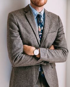 "This floral tie is good year-round. Pair it with chambray in the fall and a white oxford in the summer. Width: 2.36"" Length: 57"" Material: Cotton"