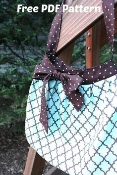 The Carolina Breeze Bag is a medium-size casual carry-all shoulder bag. The soft pleats and a big pretty bow make this purse sweet yet very simple. The free PDF