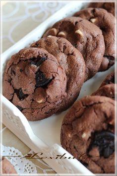 les milles & un délices de ~lexibule~: ~Biscuits triple chocolat aux biscuits Oréo~