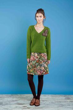 Maglia ricamata in lana/yak, gonna in gobelin ricamata #bonton #princesse #metropolitaine #fashion #sweater #embroidery #skirt