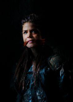 """welcome to my humble abode - Octavia Blake - The 100, S03E07 - """"Thirteen"""""""