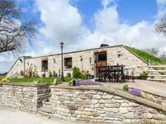 This luxury holiday home in the Peak District used to a be a water tank, dating back to 1909!