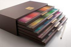 色鉛筆。240色
