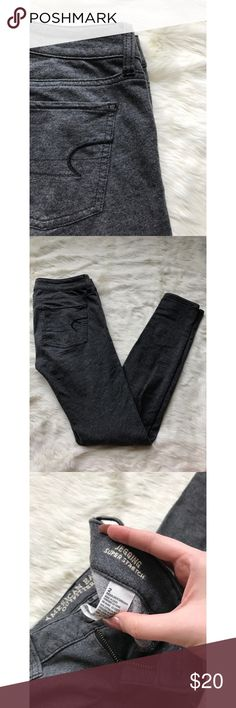 American Eagle jeggings Heather gray super stretch jeggings! Features Faux front pockets. So soft and comfy! American Eagle Outfitters Jeans Skinny