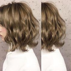 Short Permed Hair, Medium Length Wavy Hair, Medium Short Hair, Medium Hair Styles, Short Hair Styles, Bob Hairstyles For Fine Hair, Short Bob Hairstyles, Braided Hairstyles, Ash Blonde Hair